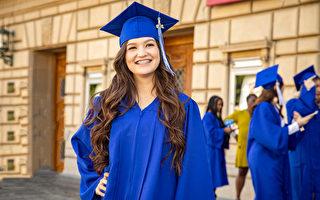 「不要再虛擬了」高中生渴望真正的畢業典禮