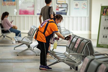 经国转运站场站提高清洁消毒频率。