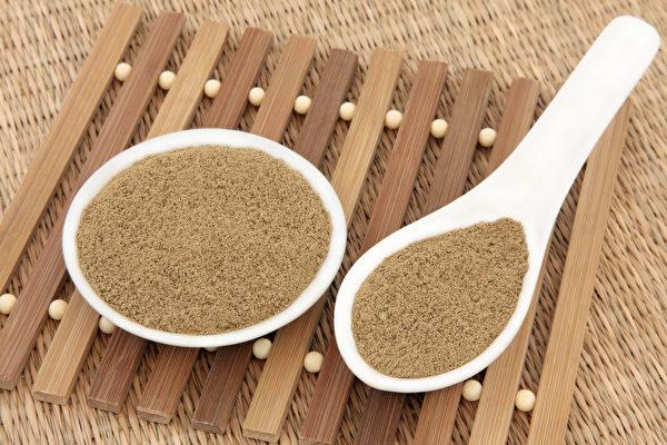 「清冠一號」作為治新冠肺炎的藥物,近日被台灣衛福部同意批准。但僅限確診者經中醫診斷後使用。(Shutterstock)
