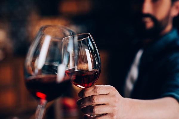 研究:任何一點酒精都會傷害大腦