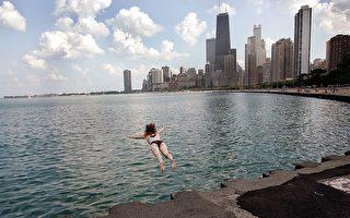 密西根懷孕五個月女子 成功營救三溺水青少年