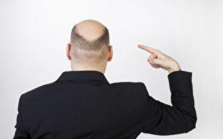 為防疫阻兒外出 媽媽逼他剪「地中海」髮型