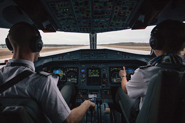 為何在飛行時 正副機師不能吃相同餐點?