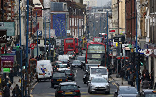 倫敦交通信號燈優先行人 駕車者擔憂