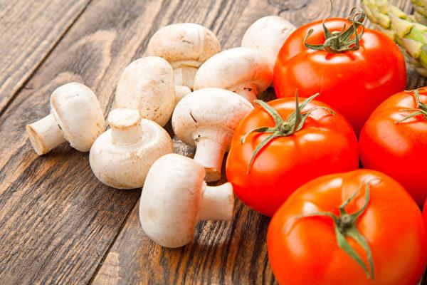 注射疫苗后的饮食,要营养均衡及吃能增强免疫力的食物。(Shutterstock)