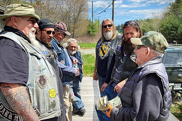 97歲老兵失去家園 摩托車俱樂部籌款幫助