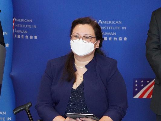 访台参议员达克沃丝:美国不会抛弃台湾