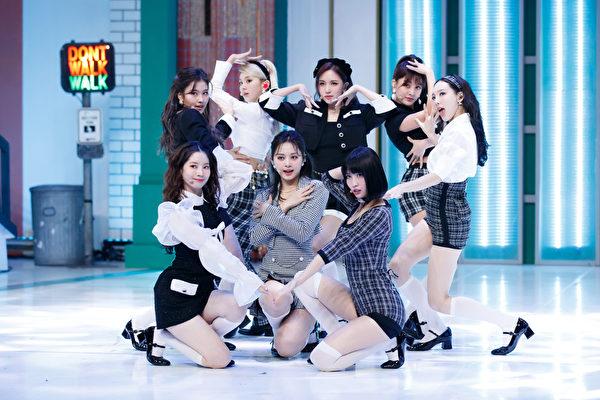 TWICE迷你十辑预购突破50万张 新歌预告公开