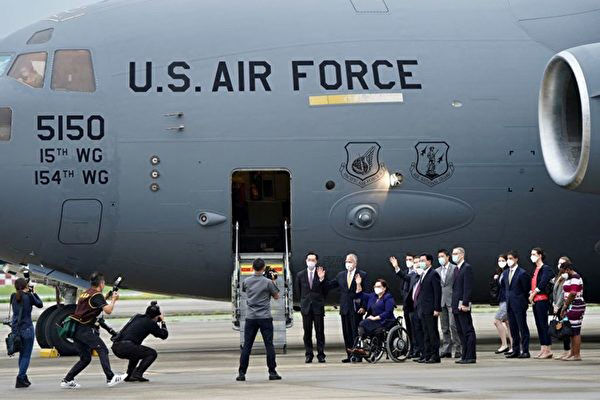 C-17降落台松山機場 台專家:中共犯台美定馳援