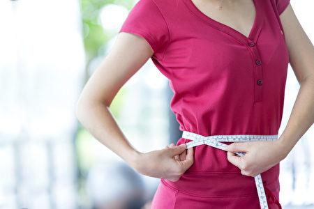 居家防疫可以透过选择食材减少摄取热量。