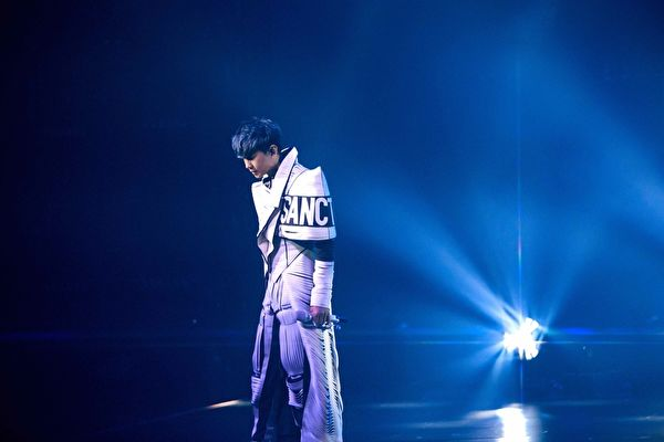 林俊杰首场线上售票演唱会 4千万打造舞台
