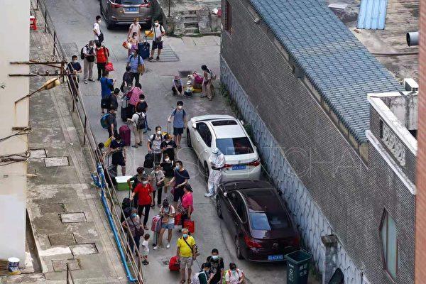 【一线采访】广州疫区监控 军人保安昼夜巡逻
