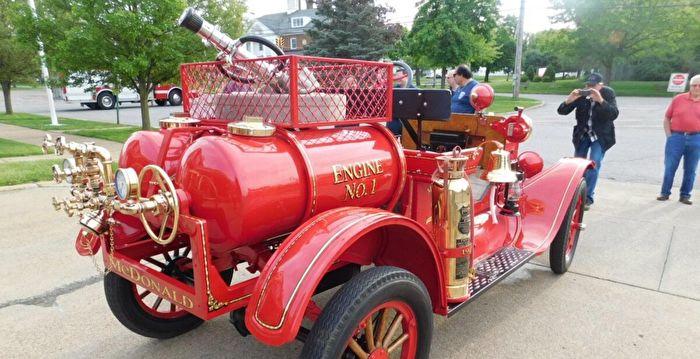 組圖:美消防部門翻新具百年歷史的消防車