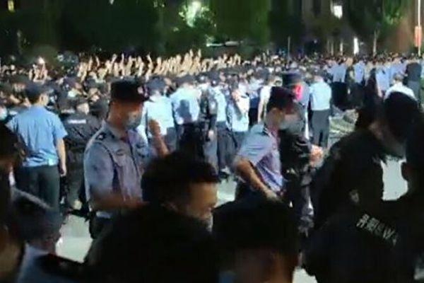 """陈思敏:中国""""00后""""有些不一样 中共难掌控"""