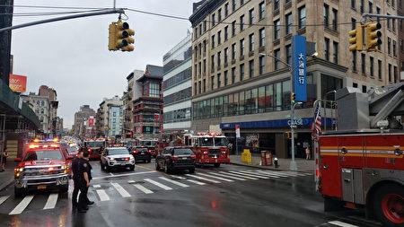 發生火災的華埠禮品店就位於平時交通繁忙的堅尼路上,因此當消防車前往救火時,也造成當地交通堵塞。