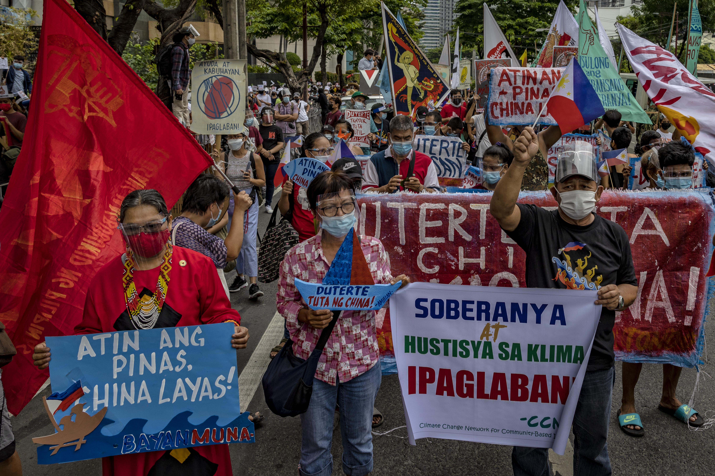 菲律賓民眾抗議中共侵犯西菲海域