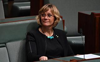 澳議員籲入境豁免涵蓋父母簽證 請願書送交議會