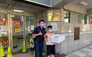 天氣炎熱警察辛苦了 冰品店溫馨暖送情