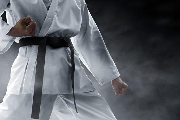 获邀奥运表演 跆拳道团体震撼《美国达人秀》