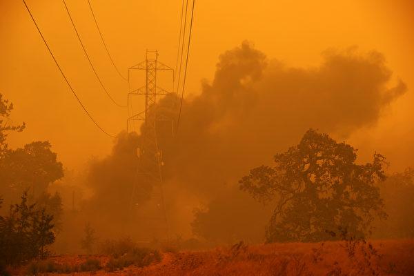 聖塔羅莎一天內發生2起植被大火