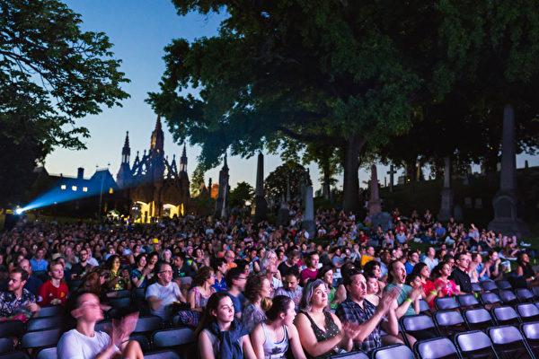 第25届纽约屋顶电影节开幕 会员票25美元