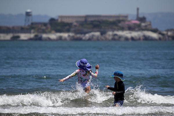 當局延長用電柔性警告、空氣警告 灣區高溫破紀錄