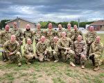 驻科威特美国大兵剃光头 支持战友患癌的姐姐