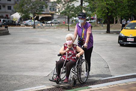 不下雨時也提供輪椅服務。