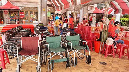 全新20台輪椅服務嘉市長者打疫苗。