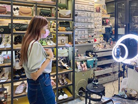 时尚女装品牌木札朵近期直播订单数与转单率皆成长 15% 以上,其中的新客占比更是提升至 30%。