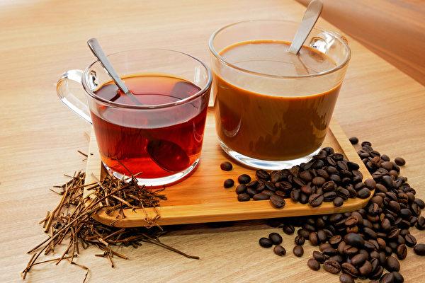喝杯浓咖啡、浓茶、能量饮料可以消除疲劳吗?(Shutterstock)