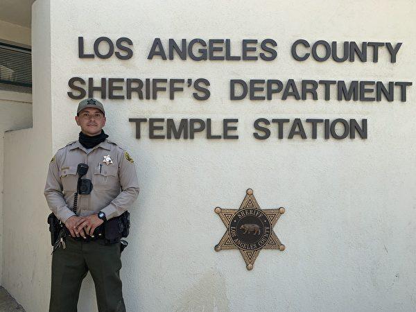 洛杉磯華婦遭砸車窗搶劫 警察迅速追回失物