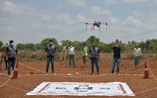 组图:印度对首架医疗用无人机展开试验
