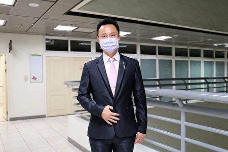 新任育人國小校長楊家豪。