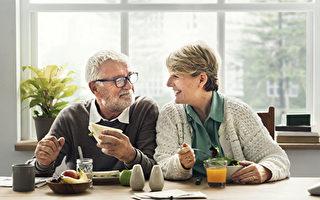 结婚70年的夫妻分享婚姻幸福的秘诀