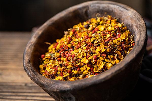 每次用10克合欢花煮水喝,可使人心情愉快,没有成瘾性。(Shutterstock)