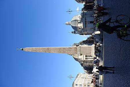 意大利罗马人民广场。