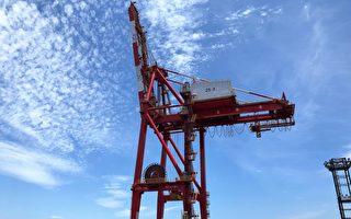 提升装卸效率 基隆港两部桥式起重机整修