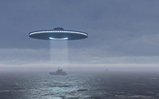 前苏联海军总司令:帽状UFO从海中飞出