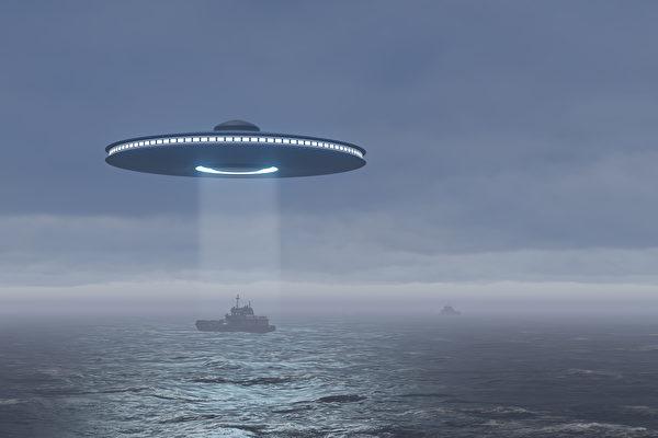 前蘇聯海軍總司令:帽狀UFO從海中飛出