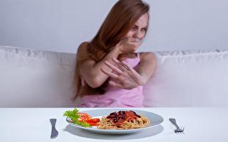 厭食症 少女體重77磅 通過舉重恢復健康