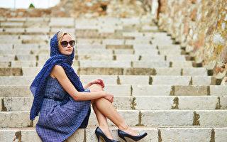 法國女人絕不駝背 即使70歲也是儀態美人