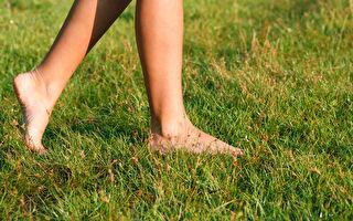抗疫靈丹就在你腳下!接地氣有助改善新冠
