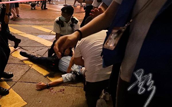七一香港爆血案 警察遇刺 施襲男子自盡