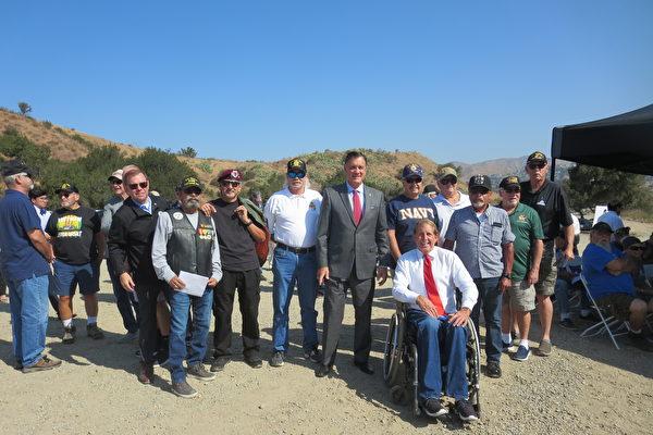 获两党官员和老兵支持 橙县军人墓地有望尽快建