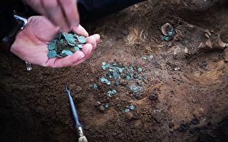 匈牙利出土数千枚中世纪硬币 极为稀有珍贵