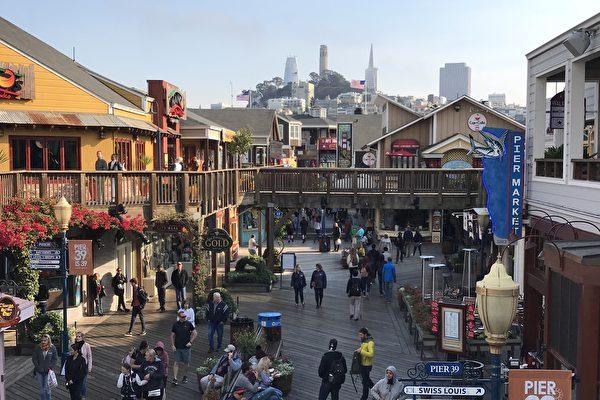 美国独立日长周末 旧金山各景点涌入游客