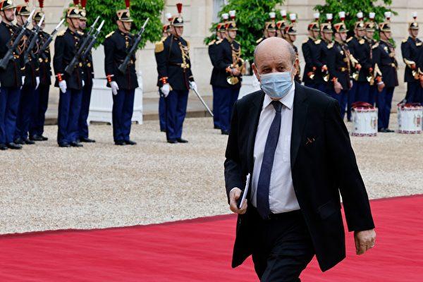 澳退出400亿潜艇交易 法国召回驻美驻澳大使