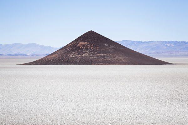 阿根廷圓錐形金字塔 完全天然的奇觀