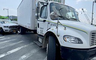 新皮卡與大卡車相撞 法拉盛男子被送醫